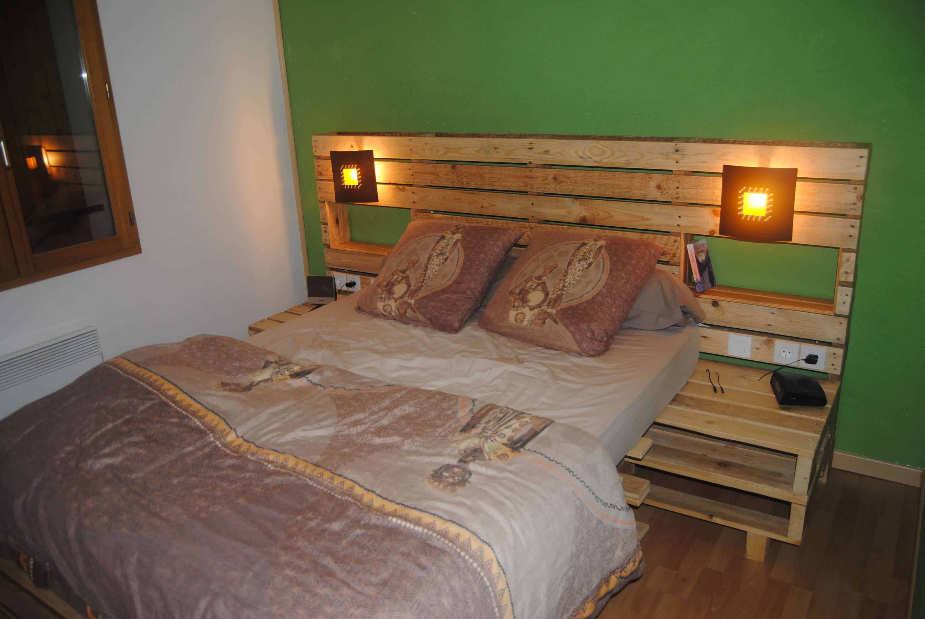 Upcycled Pallet Bed Headboard 1001