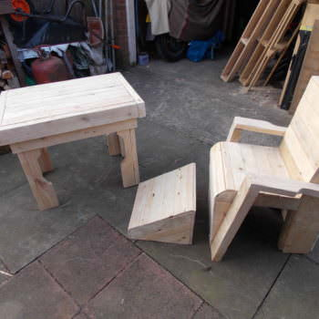 Pallet Garden Table & Chair