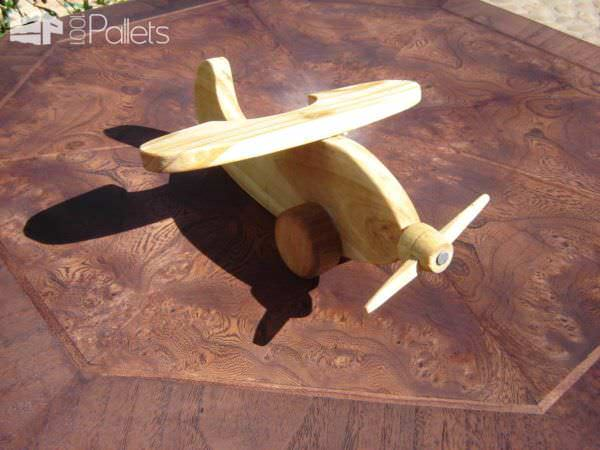 Small Pallet Airplane Fun Pallet Crafts for Kids