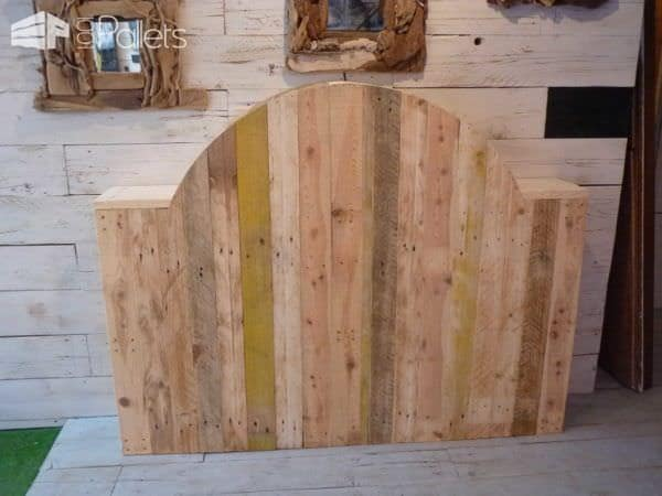 t te de lit en bois de palette pallet bed headboard from. Black Bedroom Furniture Sets. Home Design Ideas