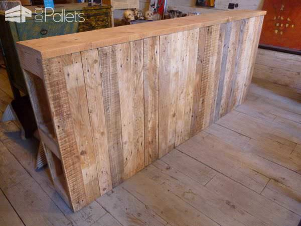 t te de lit en bois de palette upcycled pallet wood headboard 1001 pallets. Black Bedroom Furniture Sets. Home Design Ideas