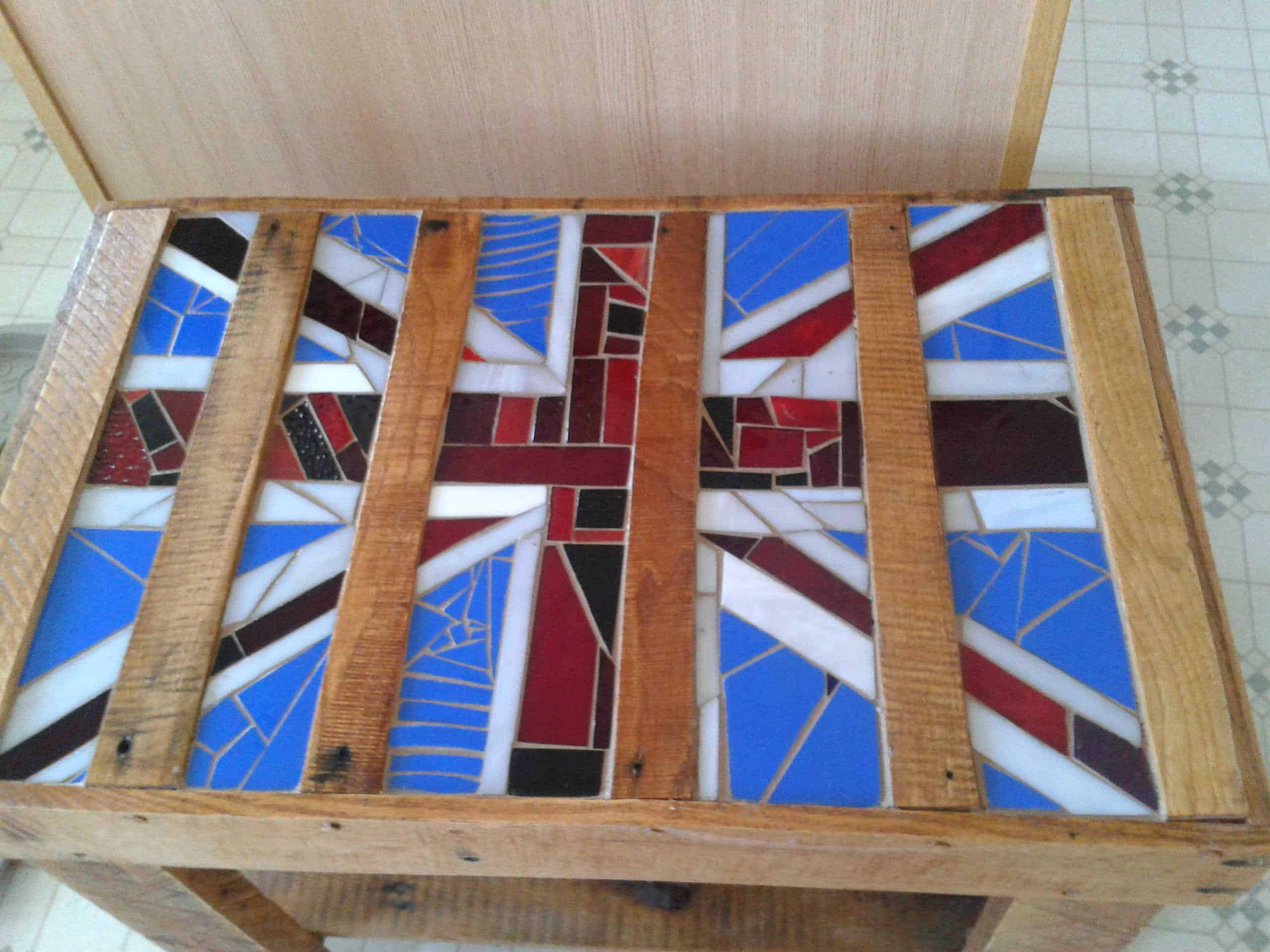 Upcycled Pallet Table With Mosaic Glass 1001 Pallets
