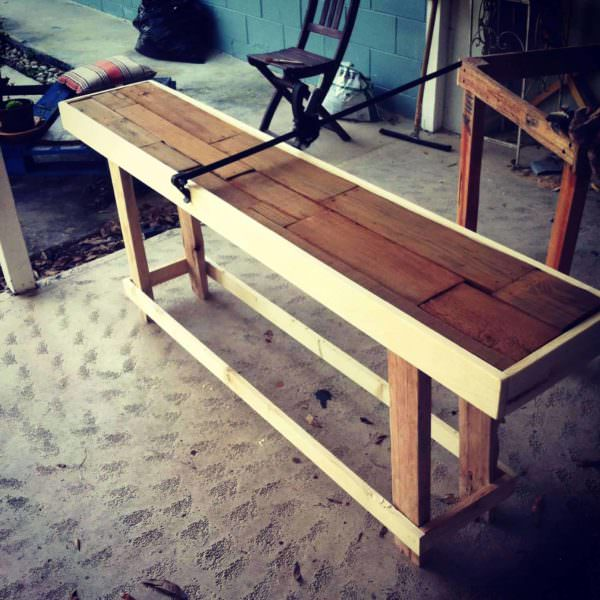 Sofa table made from reclaimed pallets 1001 pallets for Sofa table made from pallets
