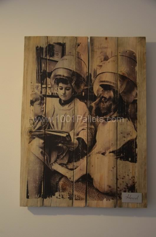 Pallet as wall picture