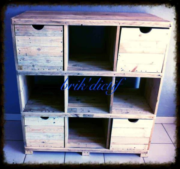 Expedit Alternative With Pallets / Meuble à Casiers En Palettes Pallet Cabinets & Pallet Wardrobes