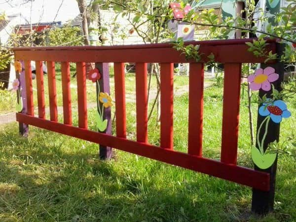 Garden Fences Made from Repurposed Pallets Pallet Fences