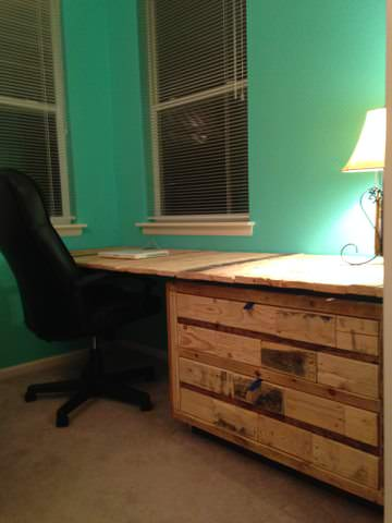 Gorgeous Desk Made Out Of Wooden Pallets & An Old Cabinet Pallet Desks & Pallet Tables