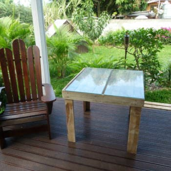 Pallet Adirondak Chair & Its Table