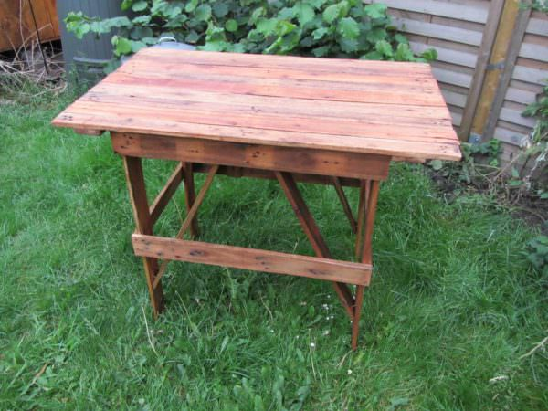 Pallet Camping Table Pallet Desks & Pallet Tables