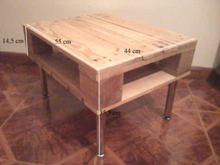 Small Corner Pallet Lamp Table