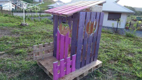 Cabane Princesse En Palettes / Small Pallet Princess Hut Fun Pallet Crafts for Kids Pallet Sheds, Cabins, Huts & Playhouses