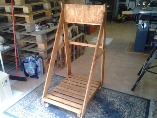 Cart Storage For Marine Engine Made Out Of Recycled Pallets Pallet Shelves & Pallet Coat Hangers