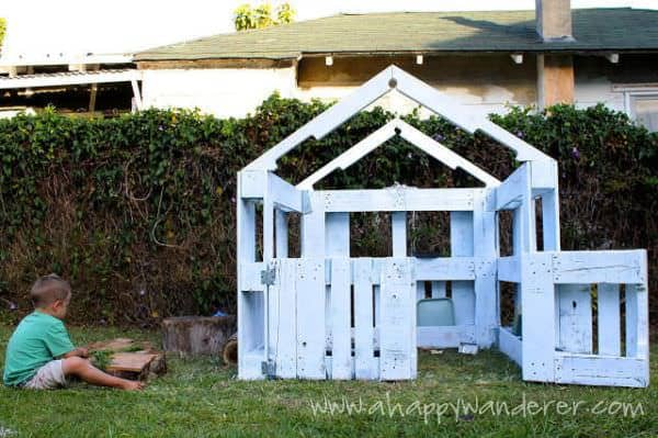 Inspired Pallet Kids Playhouse4