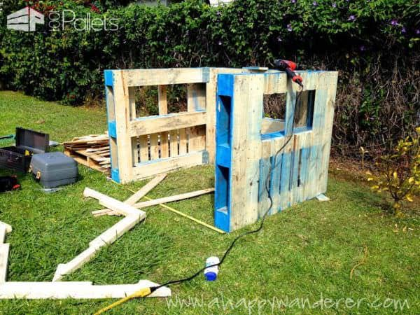Inspired Pallet Kids Playhouse8