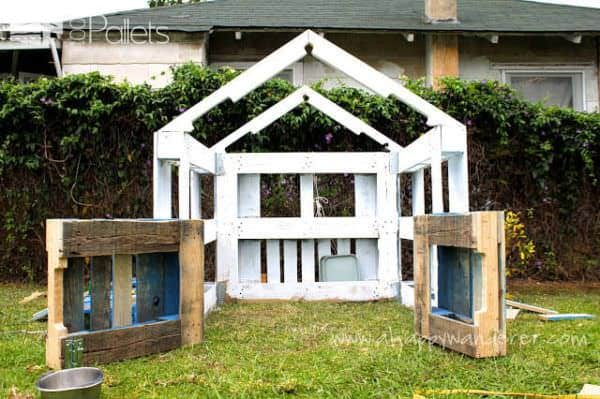 Charming, Inspired Pallet Kids Playhouse Fun Pallet Crafts for Kids Pallet Sheds, Pallet Cabins, Pallet Huts & Pallet Playhouses