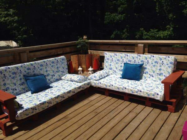 Love Seats by Brian, Tommy & Karen Pallet Sofas & Couches