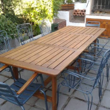Table Made With Pallets For Family Dinners
