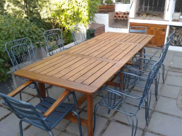 Table Made With Pallets For Family Dinners Pallet Desks & Pallet Tables