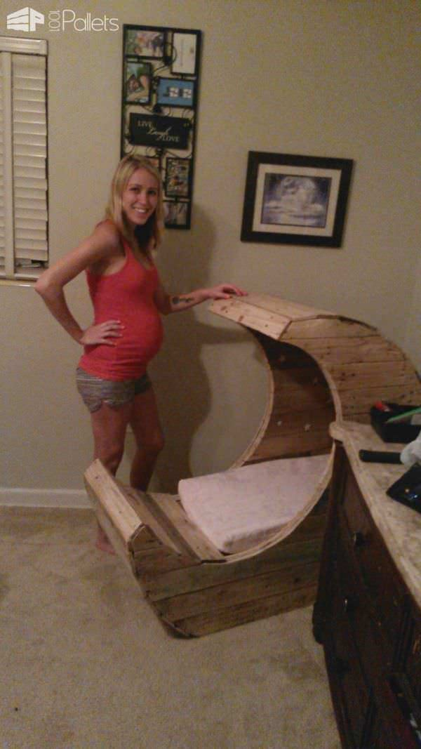 Half Moon Pallet Baby Cradle Diy Tutorial 1001 Pallets
