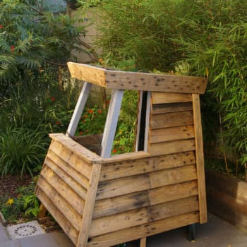 Mk House: Kids Playhouse from Recycled Pallets