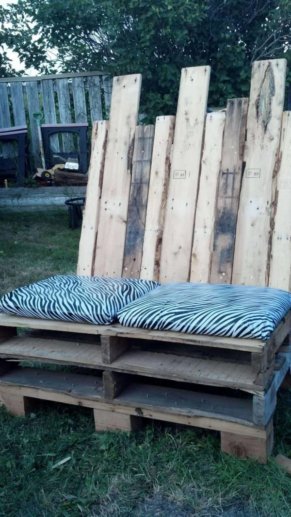 Outdoor Love Seat Pallet Benches, Pallet Chairs & Pallet Stools