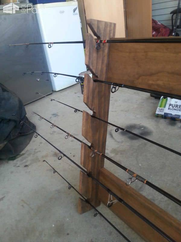 Pallet Fishing Rod Holder • 1001 Pallets