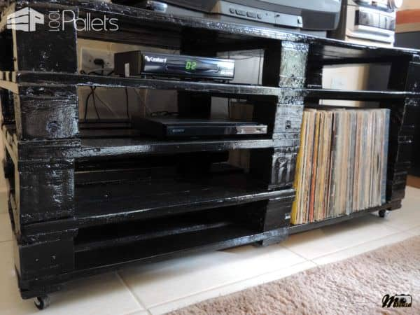 Rack Feito Com Pallets / 4 Wooden Pallets Into TV Stand Pallet TV Stand & Rack