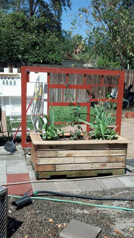 Self-watering Pallet Planter Pallet Planters & Compost Bins