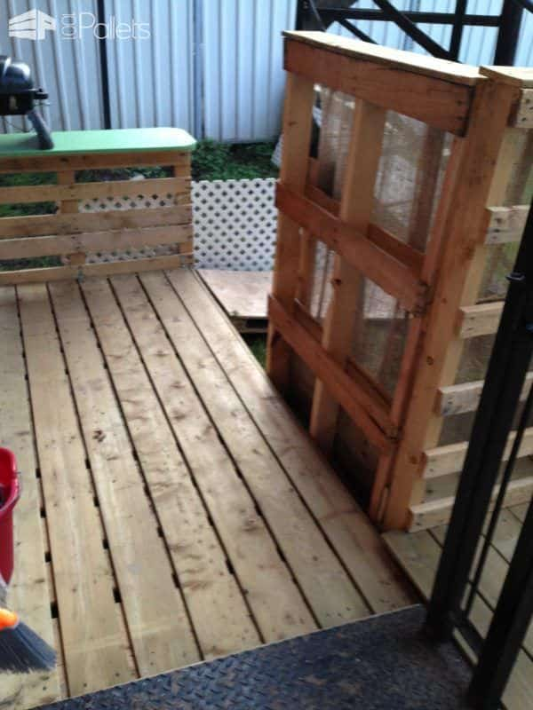 Terrasse Exterieure En Palettes / Outdoor Deck Made Out Of Pallets Pallet Terraces & Pallet Patios