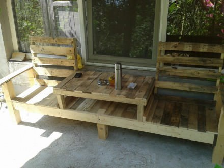 Pallets table bench