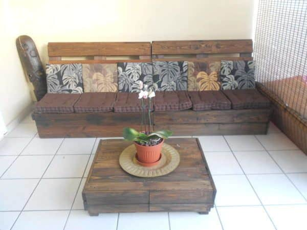 Canap table basse en palettes pallet sofa coffee table palle - Canape poltrone et sofa ...