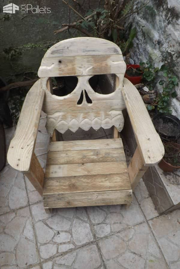 New Ben 10 Childrens Kids Toys Bedroom Storage Seat Stool: Fauteuil Tête De Mort / Pallet Skull Chair • 1001 Pallets