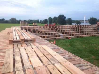 Fire Pit Made Out Of 3000 Wooden Pallets 1001 Pallets