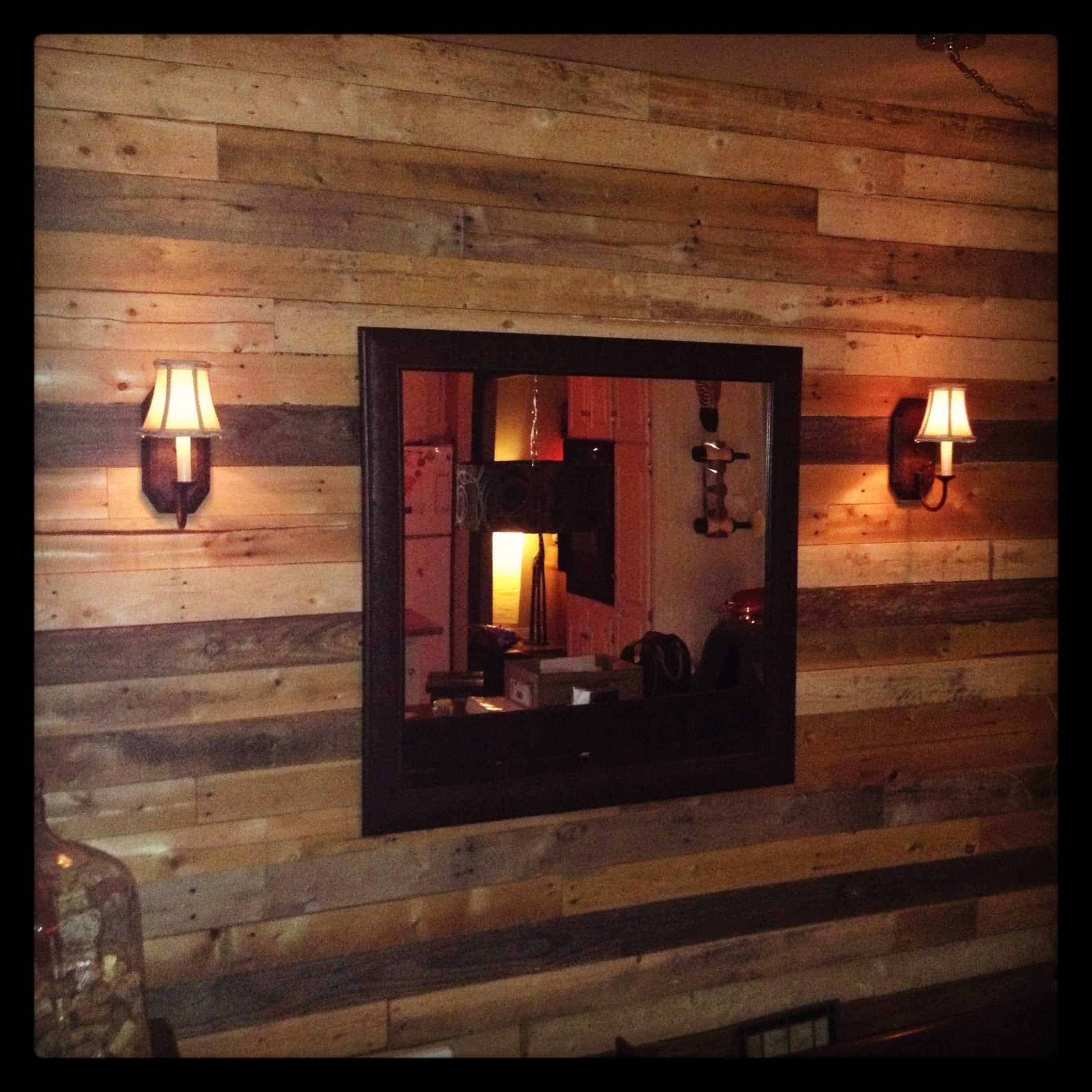 Pallet as wall decoration pallet ideas 1001 pallets - Decoration palette en bois ...