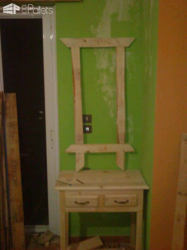 Pallet Makeup Table With Mirror Pallet Desks & Pallet Tables Pallet Home Accessories