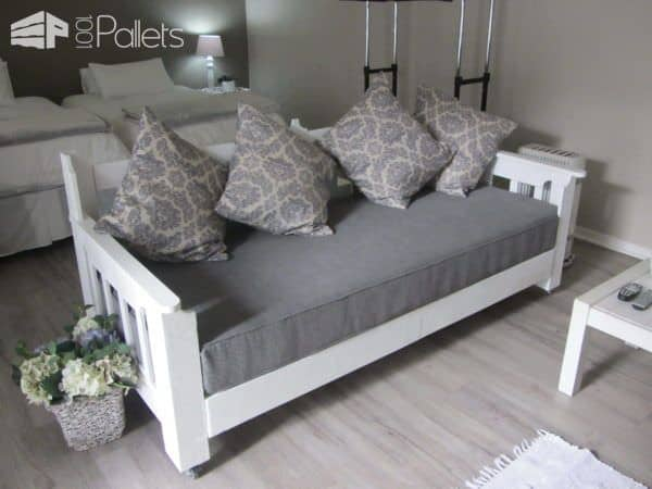 Pallets Day Bed DIY Pallet Bedroom - Pallet Bed Frames & Pallet Headboards