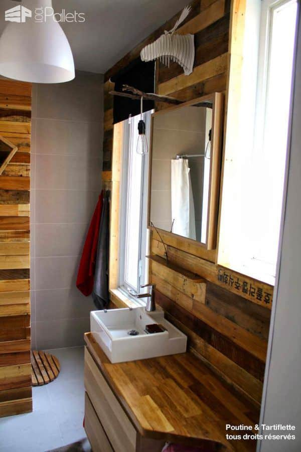 Salle De Bain Avec Mur En Palettes / Pallet Walls (Bathroom & Kitchen) Pallet Home Accessories Pallet Walls & Pallet Doors
