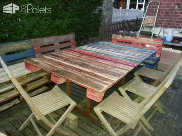 Tables de jardin pallets garden table 1001 pallets for Palette table de jardin