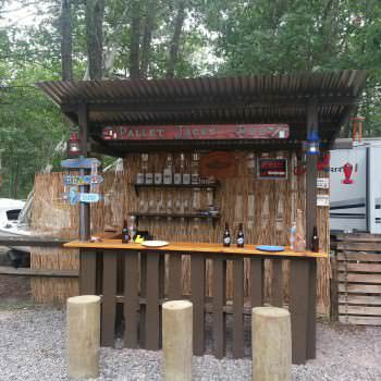 Outdoor Tiki Bar Made With Repurposed Pallets