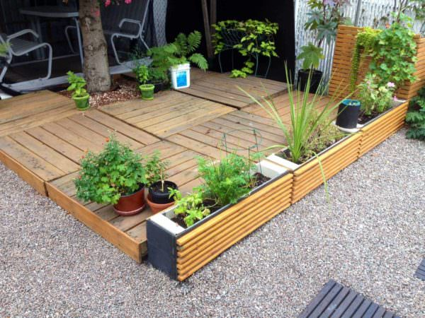Terrace & Planters Made From Pallets Pallet Planters & Compost BinsPallet Terraces & Pallet Patios