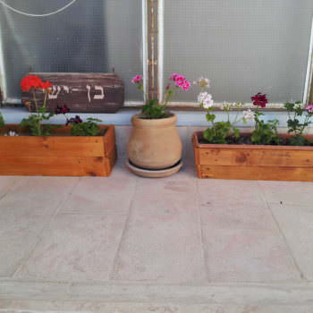 Wooden Pallet Cover For Old Planters