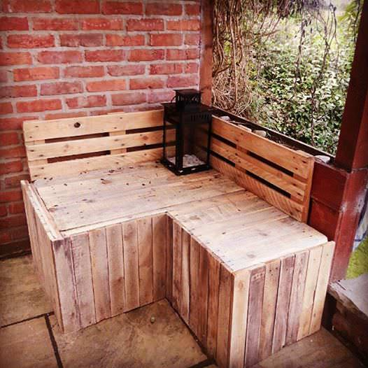 Corner Seat Pallet Benches, Pallet Chairs & Pallet Stools