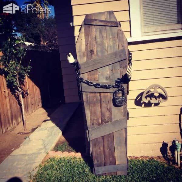 22 Superb Halloween Decorations Using Pallet Wood, Wooden Pumpkins & Decorations Pallet Home Accessories