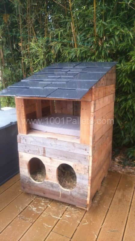 cabane chats pallet cats house 1001 pallets. Black Bedroom Furniture Sets. Home Design Ideas