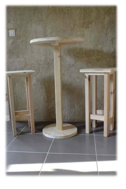 Table Haute Et Ses 2 Tabourets / Pallet Bar Table & Stools