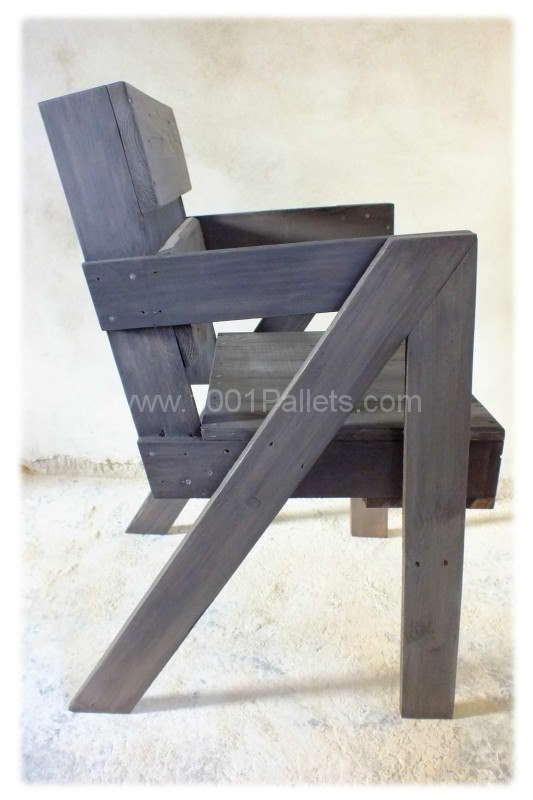 Chaise en bois de palette pallet chair 1001 pallets for Chaise bois solde