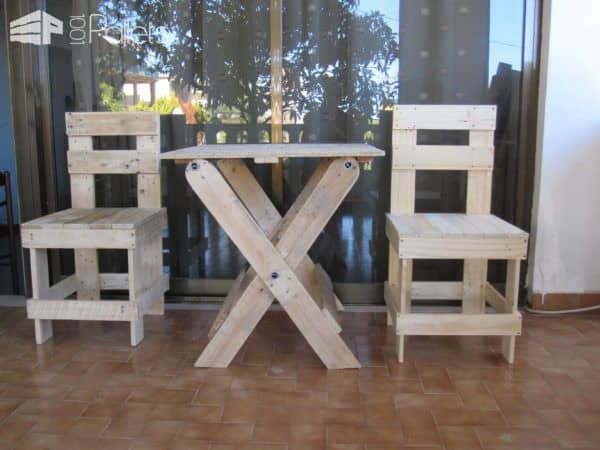 Outdoor Table & Boardgames Set Pallet Benches, Pallet Chairs & Pallet Stools Pallet Desks & Pallet Tables