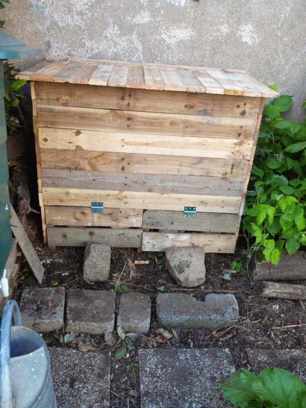 Double Compartments Pallet Compost Bin / Bac À Compost Pallet Planters & Compost Bins