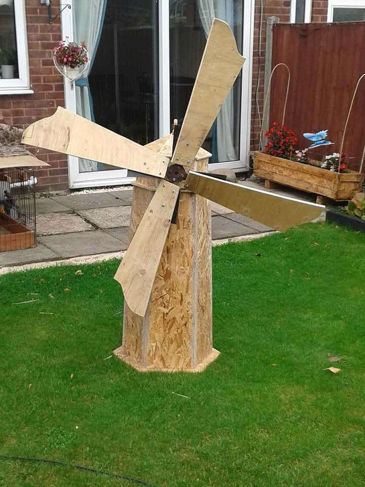 Handmade Windmill From Recycled Wood Pallet Ideas 1001