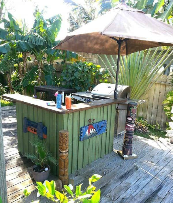Pallet Tiki Bar DIY Pallet Bars